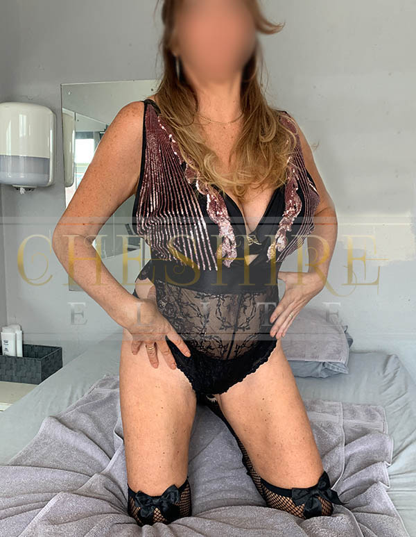Vanessa, 44 - escort incalls in Cheshire / Crewe massage parlour!