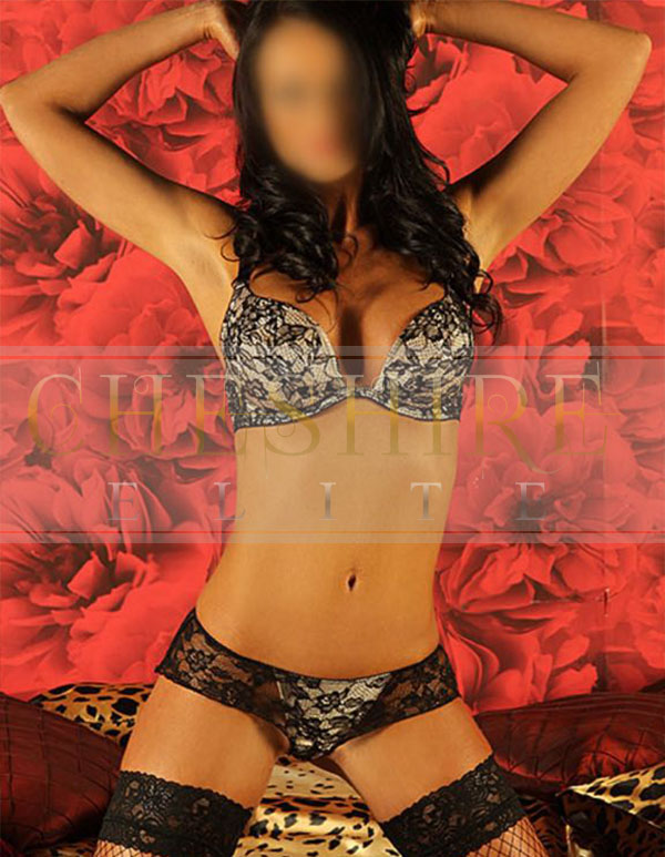 Fallon, 30s - escort incalls in Cheshire / Crewe massage parlour!