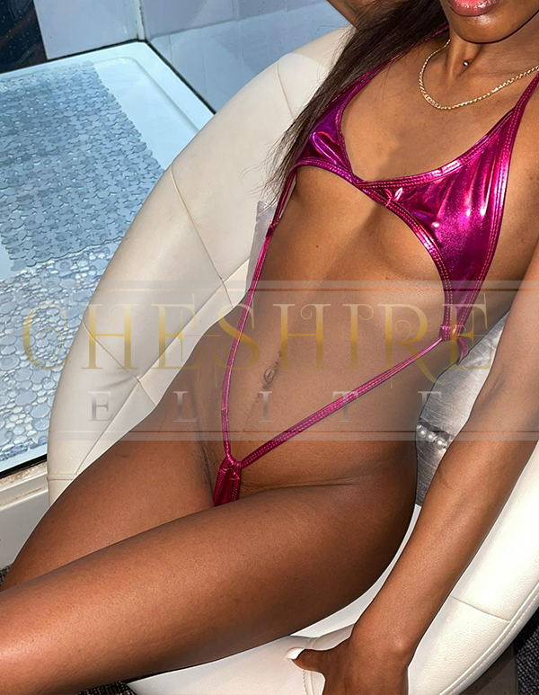 Sian, 19 - escort incalls in Cheshire / Crewe massage parlour!